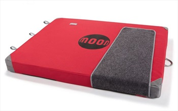 Moon Warrior Bouldering Crash Pad: 130 X 100 X 11cm, True Red