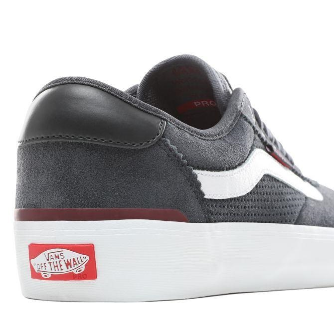4a3e7833 Vans Chima Pro 2 Skate Shoes, UK 8.5 Ebony/Port Royale